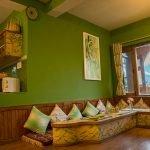 a1-livingroom1-manali